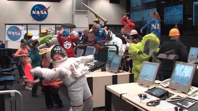 70b0d1defa6af0e7406c67782b2e7051 - #Video La NASA se rinde ante el virus del 'Harlem Shake'