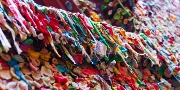 47e2b22d69a7922304424628c752f180 - No es una obra de arte, son paredes cubiertas con chicles