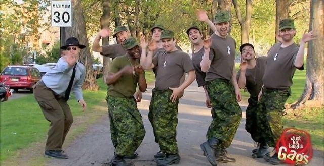 5544f3cc643587f8d6e281de1c08f210 - #Video Ejército Gay