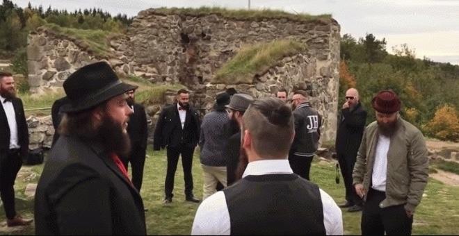 b0fb408e413cfbcacc979f61400d55b0 - Policia Sueca confunde un club de barbudos con yihadistas