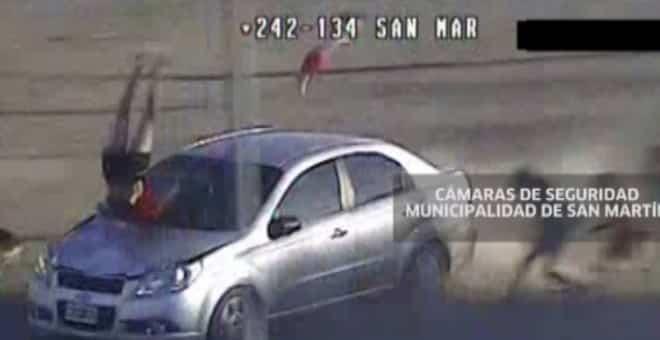 2c488b17328922fc8cfff9afffbd9fdf - #Video Brutal atropello de una madre y su bebé en Argentina