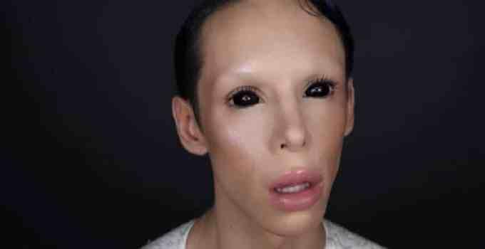 """b4e41952b6ab95d0b0fe4f8430ac4508 - Vinny Ohh el joven que se sometio a cien cirugías para convertirse en un """"alienígena asexual"""""""