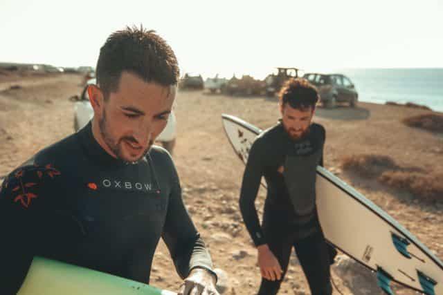 Surfistas en Fuerteventura