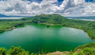 volcan9 300x199 - Conoce este top de los 10 volcanes activos más peligrosos de todo el mundo