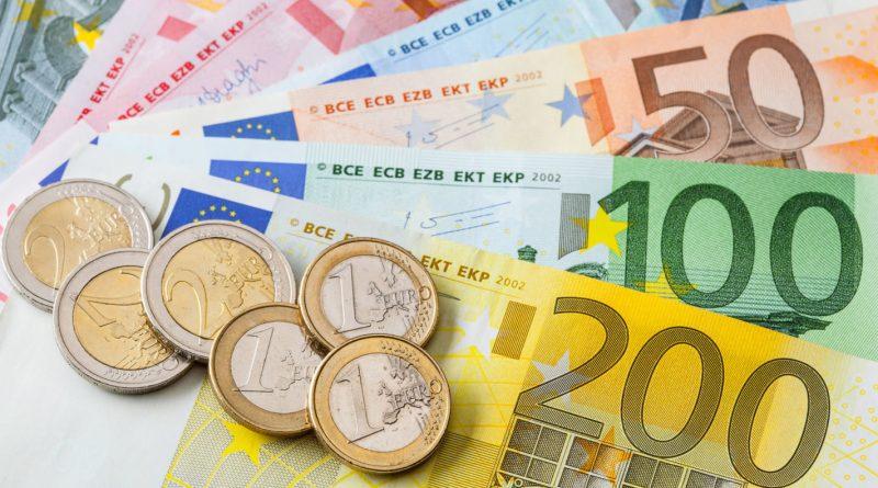 El euro sube por datos económicos en EEUU y Alemania