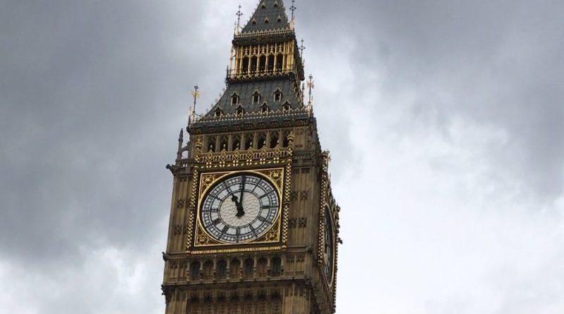 La bolsa de Londres sube impulsada por mineras y petroleras