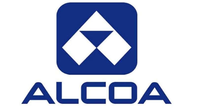 Alcoa gana un 25% menos y rebaja sus previsiones