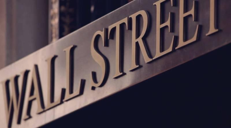 Volatilidad en Wall Street que cierra mixto