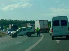 Retenciones en la N-232 a la altura de El Villar de Arnedo por una colisión entre un camión y un todoterreno