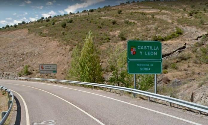 Carretera LR-115 en su límite con Soria