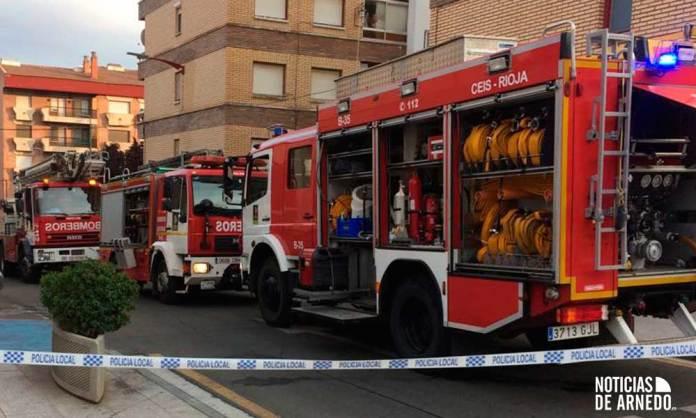 Bomberos del CEIS Rioja de Arnedo y Calahorra en la zona del incendio