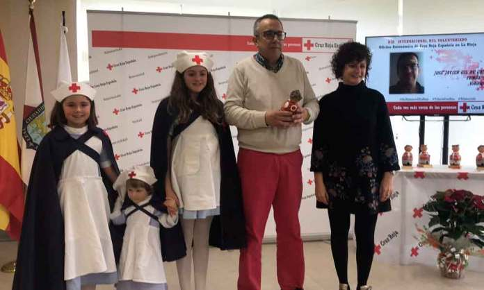 José Javier Gíl de Gómez recibe el reconocimiento de Cruz Roja en La Rioja