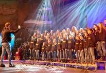 Los niños del Coro Cuchuflete de Arnedo en Disneyland París