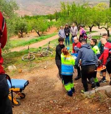 Imagen del rescate del ciclista herido, publicado por el joven en sus Redes Sociales