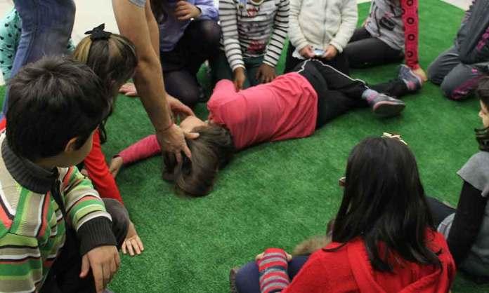 Niños formándose en uno de los talleres de 'La Rioja Cardioprotegida'