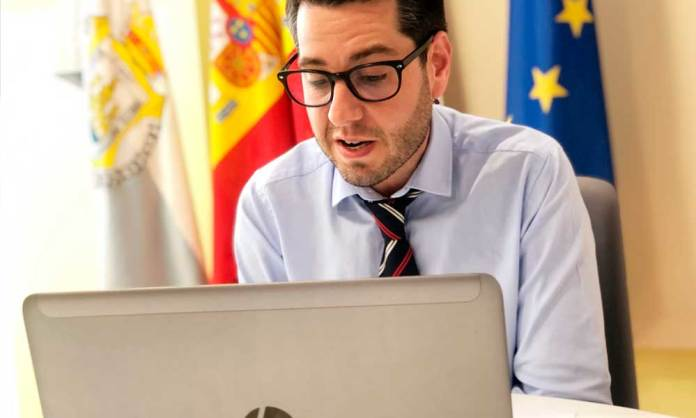 Alcalde de Arnedo, Javíer García, en la reunión del Consejo Asesor de Ciudad (Ayto. Arnedo)