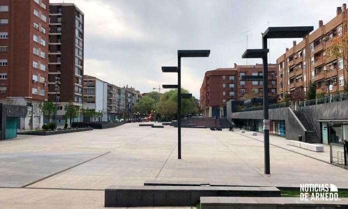 Plaza de España de Arnedo, sin peatones durante el Estado de Alarma