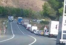 Accidente de tráfico entre dos camiones en la N232 en Arrúbal (La Rioja)