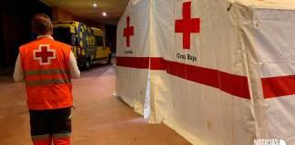 Carpa de SOS Rioja y Cruz Roja instalada en la zona deportiva de Arnedo para el cribado extraordinario