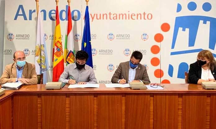 Firma del protocolo para promover infraestructuras viarias en Arnedo