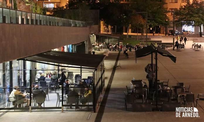 Plaza de España de Arnedo en la noche del 3 de octubre de 2020
