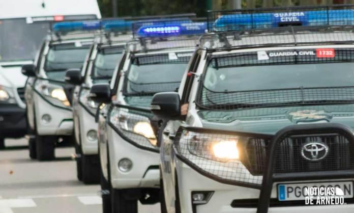 Efectivos de Guardia Civil a su paso por Arnedo en una imagen de archivo (A.Y.B.)