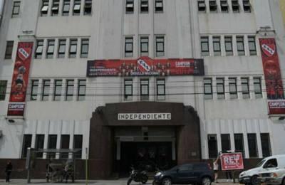 Allanaron la sede de Independiente en Avellaneda