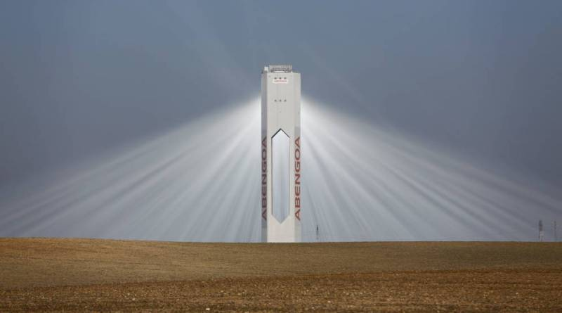 Abengoa pide 1.188 millones a España por el recorte en renovables