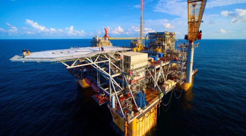 El precio del petróleo Brent mantiene una tendencia a la baja