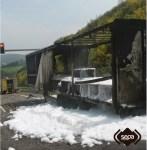Arde un camión en la Autovía del Cantábrico, en Cudillero 1