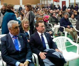 Alcalde-y-consejero-en-homenaje-en-Castropol