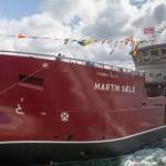 Botadura de un barco de transporte de peces vivos en Gondán