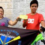 El Club Remeros del Eo entrega la bicicleta de su sorteo