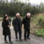 La Consejería presenta las mejoras en los accesos a Teixedo, en Coaña
