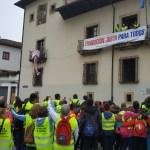 Los mineros de Cangas abandonan su encierro en el Ayuntamiento