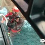 Rescatados en Cudillero dos buzos que practicaban pesca submarina