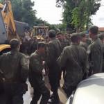 REGIÃO DOS LAGOS – Marinha atua no resgate de moradores em condomínio alagado de Maricá