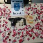 AÇÕES POLICIAIS – Homem é preso com arma, munições e drogas em Iguaba Grande