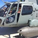 EVENTO – Helicóptero da Marinha é exposto em praça de Búzios