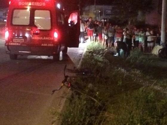 Ciclista foi atropelado pelo ônibus na RJ-140