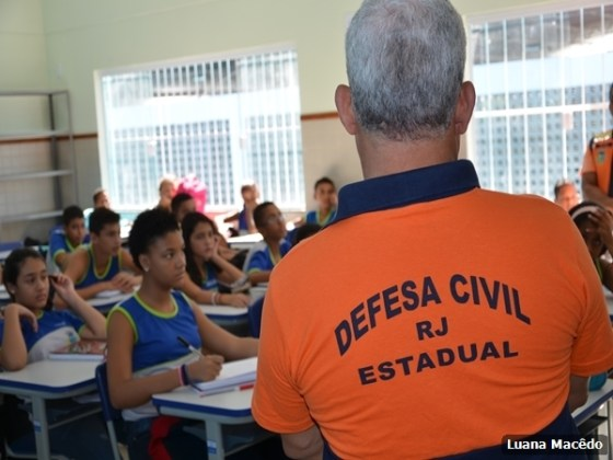 Escola Municipal Professora Miriam Alves Guimarães, no bairro Fluminense3