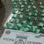 AÇÕES POLICIAIS – Suspeito foge, mas deixa sacola com drogas para trás em São Pedro da Aldeia