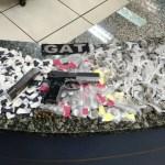 AÇÕES POLICIAIS – Homens e adolescentes são detidos com drogas em distrito de Cabo Frio