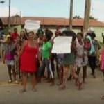 CABO FRIO – Moradores fecham estrada e pedem volta de posto de saúde em Cabo Frio