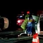 ACIDENTE – Colisão entre dois carros na madrugada desta quinta (19) no centro de Cabo Frio