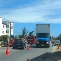 ACIDENTE – Acidente deixa o trânsito lento na RJ-106, em Iguaba
