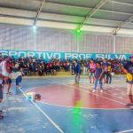 SÃO PEDRO DA ALDEIA – Prefeitura aldeense promove oficina de frescobol para alunos da E. M. Profª Miriam Alves de  Guimarães