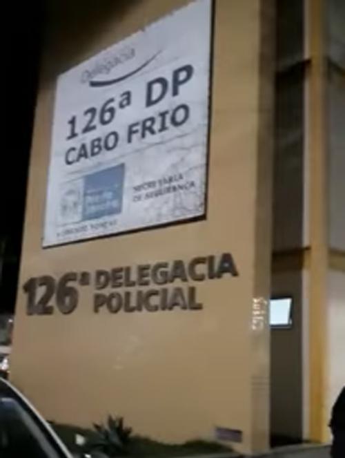 AÇÕES POLICIAIS - Homem é morto a tiros em guarita de fazenda em Cabo Frio