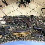 AÇÕES POLICIAIS – Suspeito é preso com armas escondidas dentro de banheiro em Cabo Frio