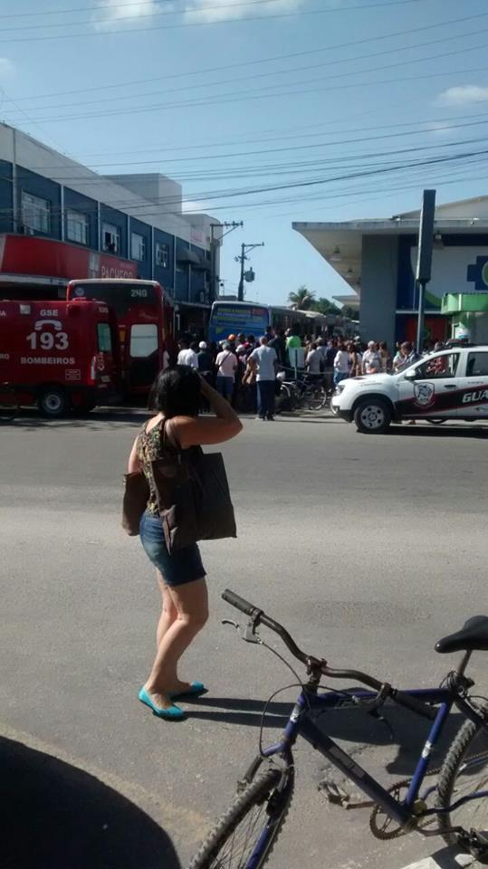 ARARUAMA - Idoso é atropelado por ônibus na rodoviária de Araruama